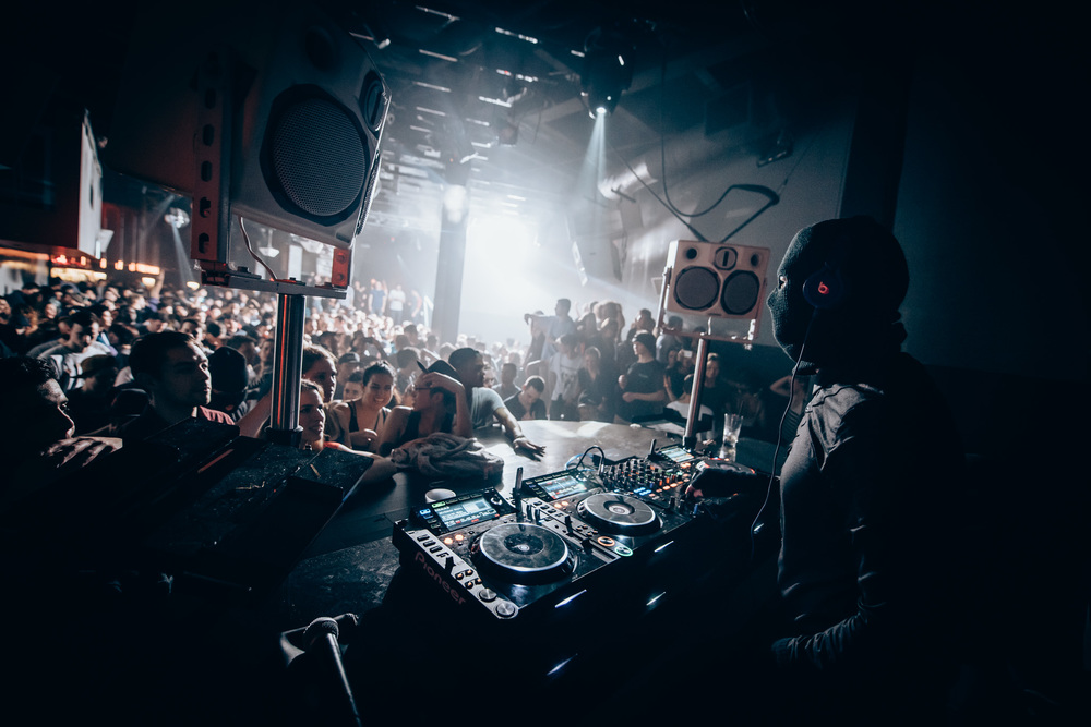 Photo by Jason Woo © 2015 | www.qnightclub.com